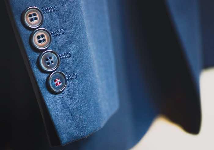 スーツもYシャツもネクタイも…</br>購入前に知っておきたいレンタルサービスとは?